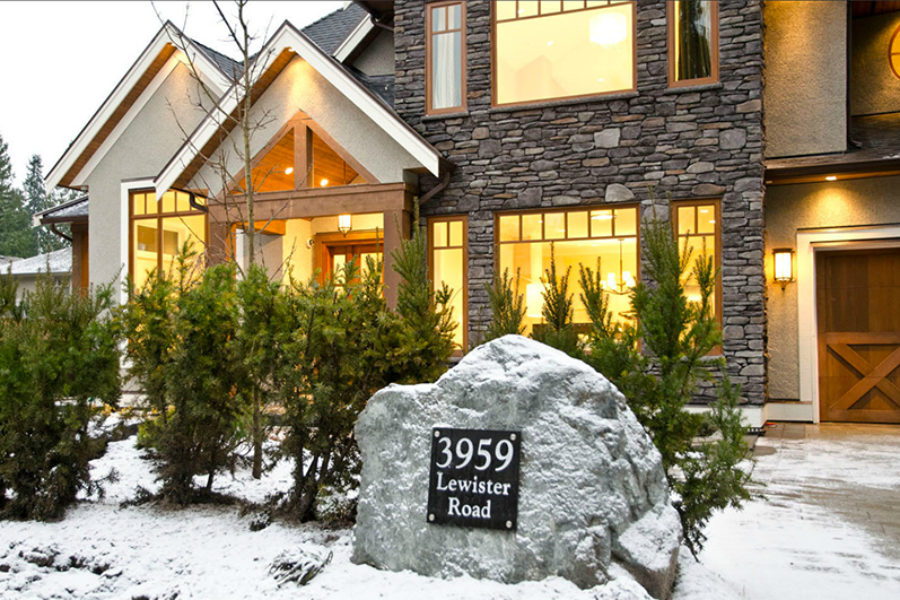 5 Bed + 6 Bath, Edgemont Village: 4567 ft² / Lot Size 7505 ft²