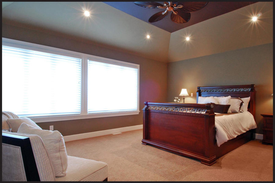6 Bed + 5 Bath, Morgan Acres: 3615 ft² / Lot Size 7498 ft²