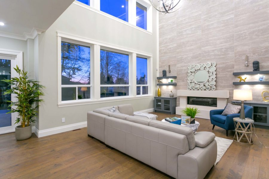 6 Bed + 5 Bath, Grandview Heights: 5723 ft² / Lot Size: 10160 ft²