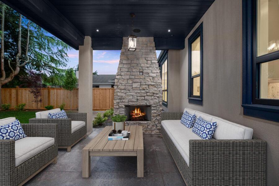 5 Bed + 5 Bath, Bayridge: 3966 ft² / Lot Size: 8250 ft²
